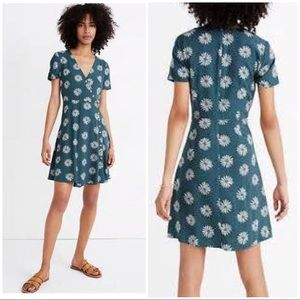 Madewell Size 6 Button-Wrap Dress in Daisy